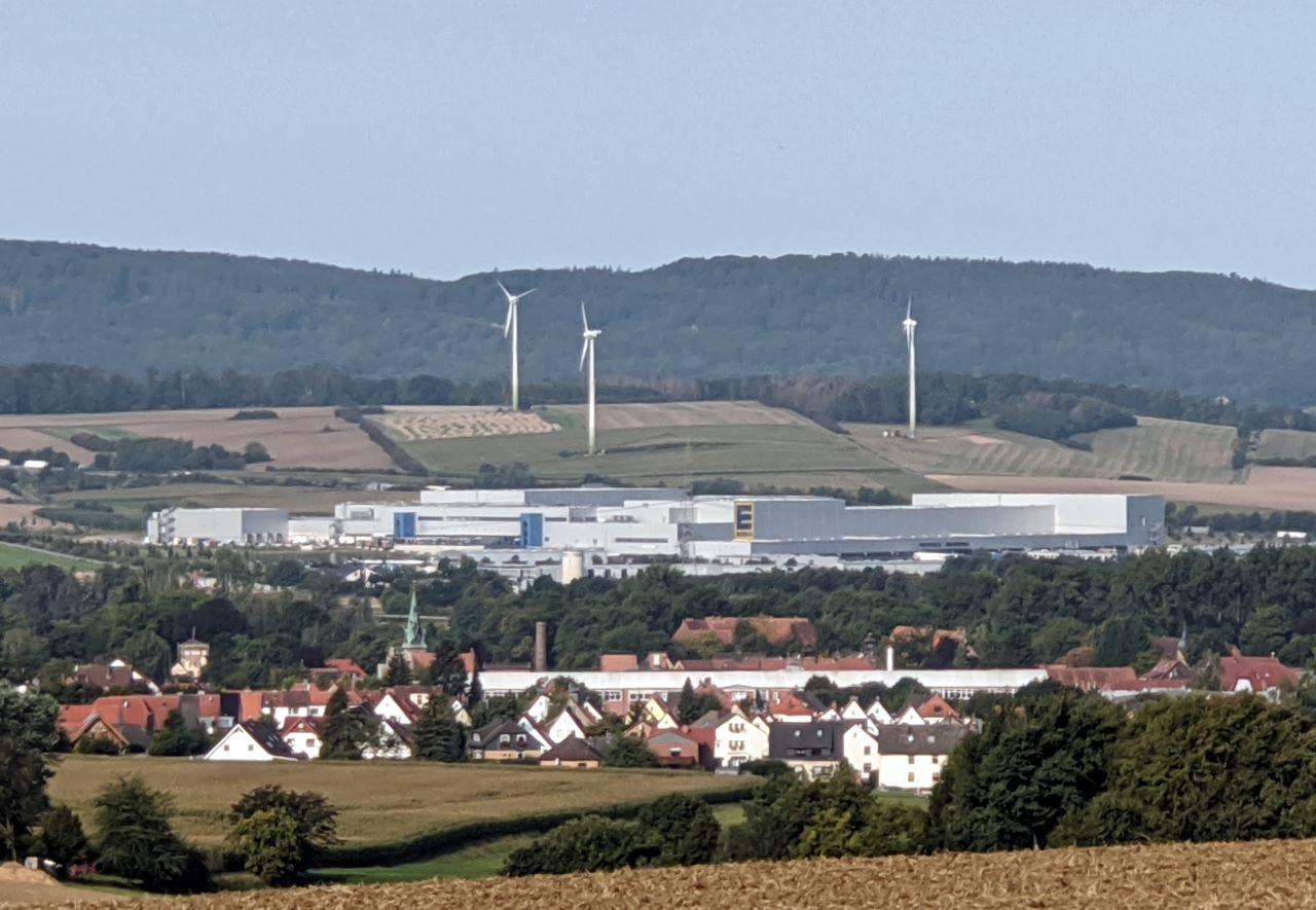 Lauenau Blick auf EDEKA-Zentrallager